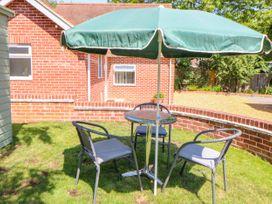 The Lodge at Orchard House - Norfolk - 1017492 - thumbnail photo 20