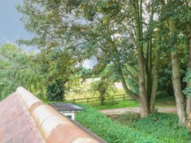 The Lodge at Orchard House - Norfolk - 1017492 - thumbnail photo 18