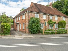 Goodwood Cottage - Kent & Sussex - 1017675 - thumbnail photo 1