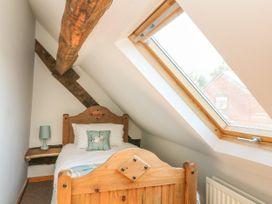 Old Hall Barn 3 - Shropshire - 1017755 - thumbnail photo 20