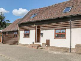 Old Hall Barn 3 - Shropshire - 1017755 - thumbnail photo 2