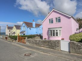 The Pink House - Anglesey - 1017927 - thumbnail photo 1
