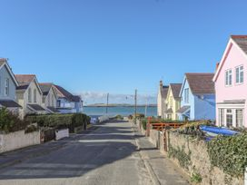The Pink House - Anglesey - 1017927 - thumbnail photo 2