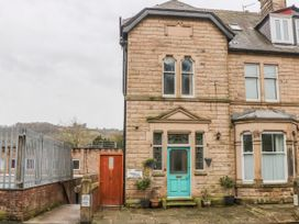 8 bedroom Cottage for rent in Matlock