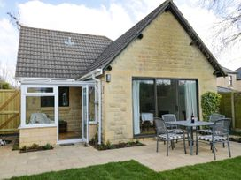 2 bedroom Cottage for rent in Bath