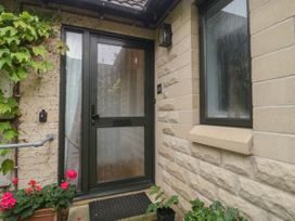 1A Erneston Crescent - Somerset & Wiltshire - 1018150 - thumbnail photo 2