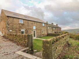 4 bedroom Cottage for rent in Oldham