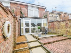 2 bedroom Cottage for rent in Lowestoft