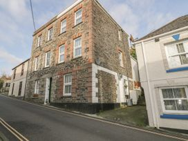 4 bedroom Cottage for rent in Mevagissey