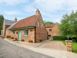 Lizzies Cottage - Lincolnshire - 1018898 - thumbnail photo 1
