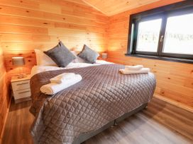 Bryn Eiddon Log Cabin - Mid Wales - 1018963 - thumbnail photo 21