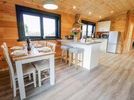 Bryn Eiddon Log Cabin - Mid Wales - 1018963 - thumbnail photo 16