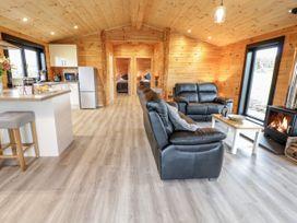 Bryn Eiddon Log Cabin - Mid Wales - 1018963 - thumbnail photo 6