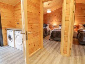 Bryn Eiddon Log Cabin - Mid Wales - 1018963 - thumbnail photo 18