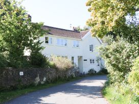 3 bedroom Cottage for rent in Axminster