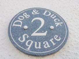 2 Dog & Duck Square - North Yorkshire (incl. Whitby) - 1020473 - thumbnail photo 2