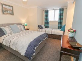 Talarfor Apartment - North Wales - 1020561 - thumbnail photo 14