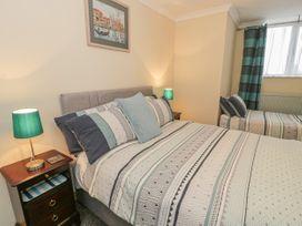 Talarfor Apartment - North Wales - 1020561 - thumbnail photo 15