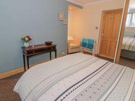 Talarfor Apartment - North Wales - 1020561 - thumbnail photo 16