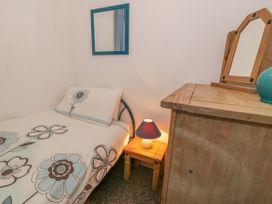 Talarfor Apartment - North Wales - 1020561 - thumbnail photo 18