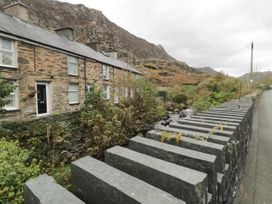3 Barlwyd Terrace - North Wales - 1020746 - thumbnail photo 3