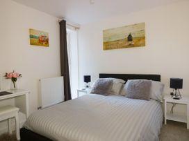 Apartment 3 - Cornwall - 1020802 - thumbnail photo 12