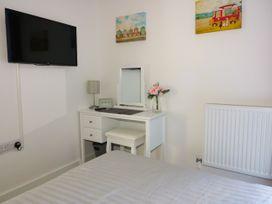 Apartment 3 - Cornwall - 1020802 - thumbnail photo 13