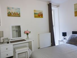 Apartment 3 - Cornwall - 1020802 - thumbnail photo 14