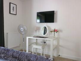 Apartment 3 - Cornwall - 1020802 - thumbnail photo 17