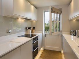 2 Keeper's Cottage, Hillfield Village - Devon - 1020942 - thumbnail photo 9
