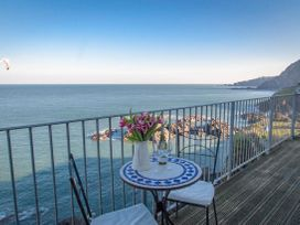 Oceanside Penthouse - Devon - 1021025 - thumbnail photo 1