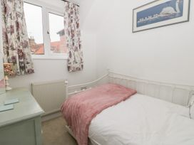 Little Daisy Cottage - North Yorkshire (incl. Whitby) - 1021348 - thumbnail photo 11
