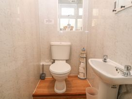 Royal Oak Cottage - Anglesey - 1021540 - thumbnail photo 8