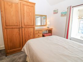 Royal Oak Cottage - Anglesey - 1021540 - thumbnail photo 13