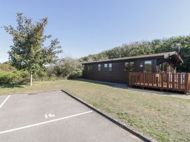 16 Amber Wood Lodge - South Coast England - 1021624 - thumbnail photo 23