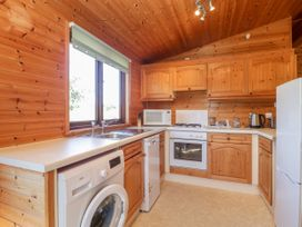 16 Amber Wood Lodge - South Coast England - 1021624 - thumbnail photo 8