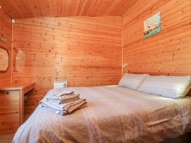 16 Amber Wood Lodge - South Coast England - 1021624 - thumbnail photo 11