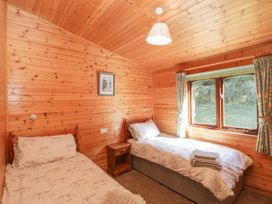 16 Amber Wood Lodge - South Coast England - 1021624 - thumbnail photo 16