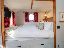 Shepherds Hut - Yorkshire Dales - 1022026 - thumbnail photo 12