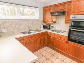 Apartment 22 - South Wales - 1022187 - thumbnail photo 9