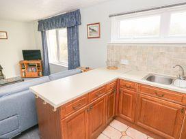 Apartment 22 - South Wales - 1022187 - thumbnail photo 8