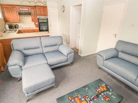 Apartment 22 - South Wales - 1022187 - thumbnail photo 10