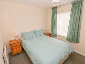 Apartment 22 - South Wales - 1022187 - thumbnail photo 11