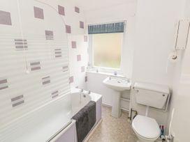 Apartment 22 - South Wales - 1022187 - thumbnail photo 13