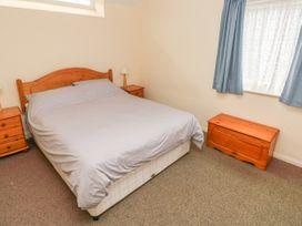 Apartment 22 - South Wales - 1022187 - thumbnail photo 14