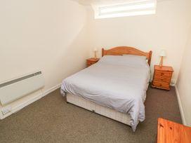 Apartment 22 - South Wales - 1022187 - thumbnail photo 15