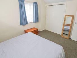 Apartment 22 - South Wales - 1022187 - thumbnail photo 16