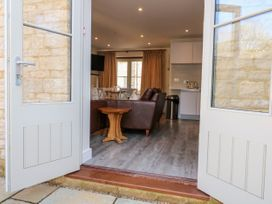 4 Loveday Mews - Cotswolds - 1022261 - thumbnail photo 23
