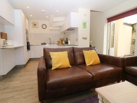 4 Loveday Mews - Cotswolds - 1022261 - thumbnail photo 8