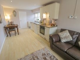Cartwheel Cottage - Whitby & North Yorkshire - 1022390 - thumbnail photo 4